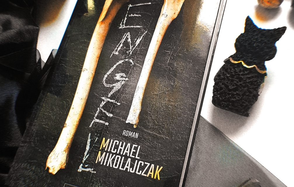 *Rezension* Engel von Michael Mikolaiczak