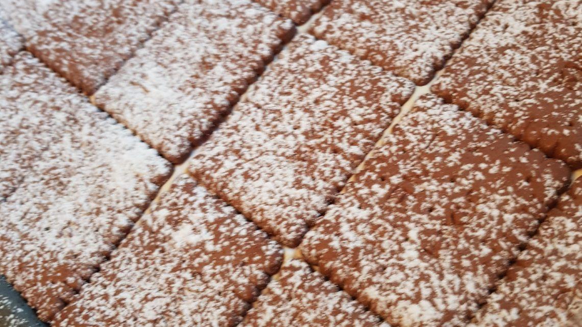 Lexys Rote Grütze Schokoladen-Keks Kuchen